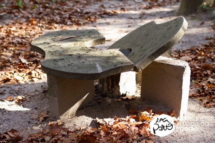 Mesa de Betão Destruída