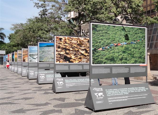 """Exposição ao ar livre intitulada """"A Terra vista do céu"""" no Rio de Janeiro"""
